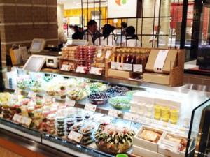 ピクレッドサラダ札幌三越店オープン!